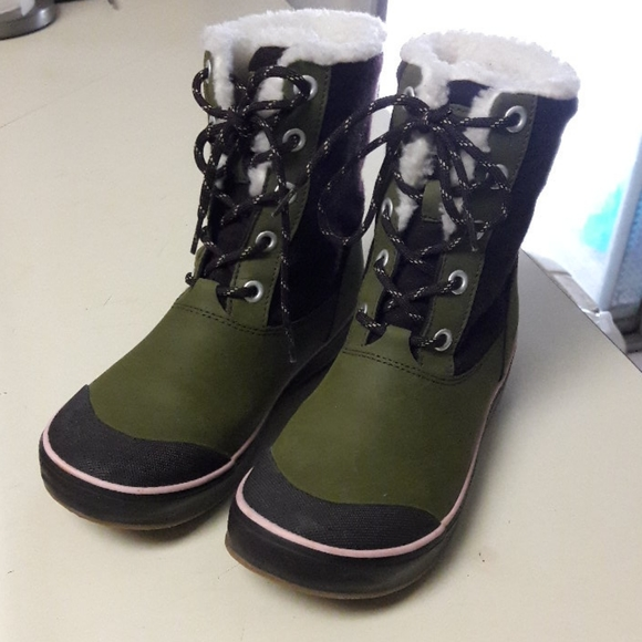 Keen boots size 7